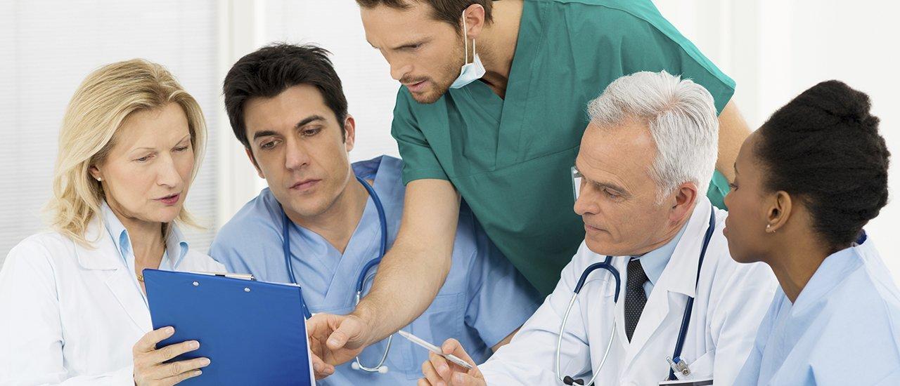 یکی از برترین کشورها در این امر، کشور آلمان می باشد که از برترین و مجهزترین مراکز پزشکی بوده و متخصصین پزشکی آماده پذیرش بیماران بین المللی می باشند.
