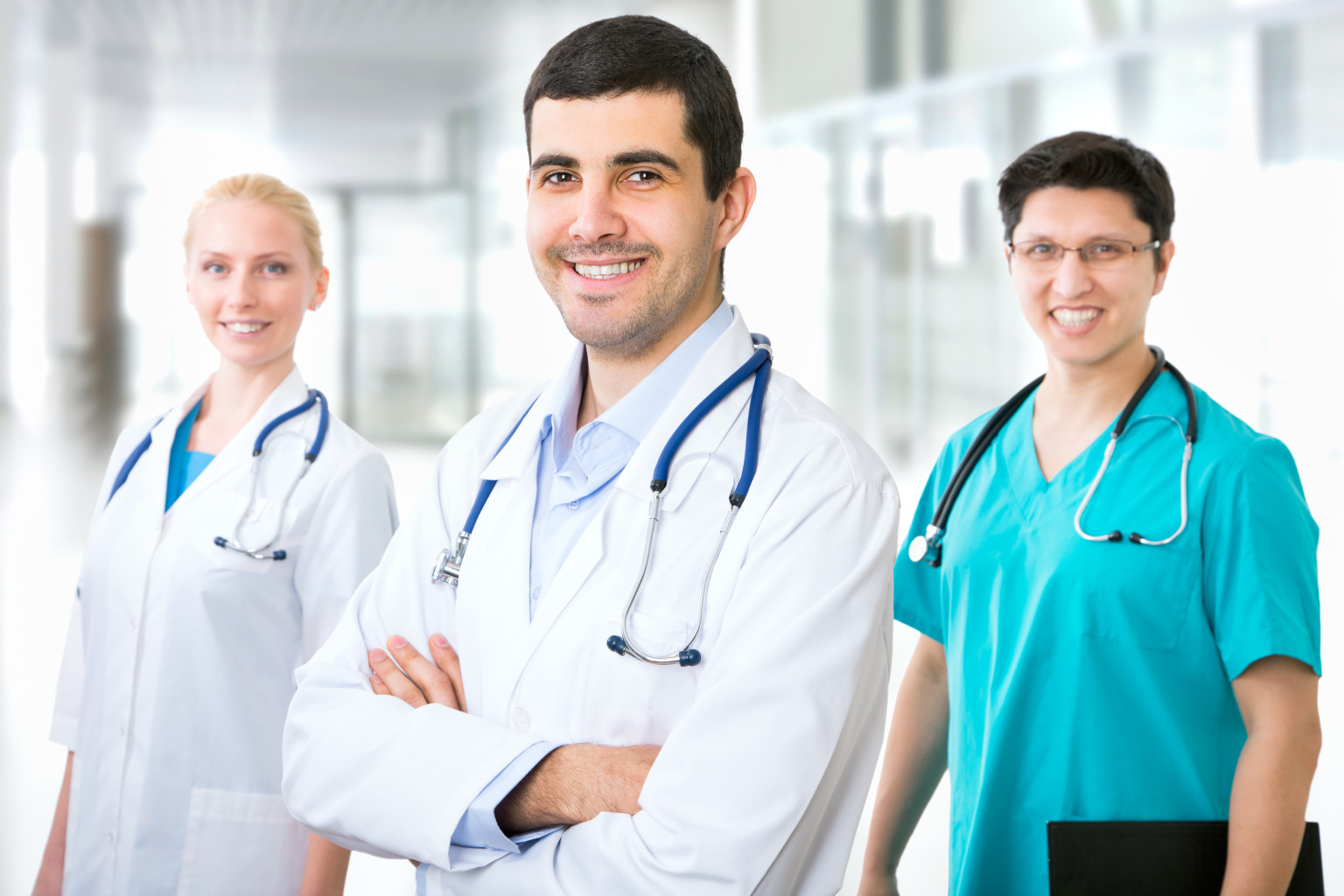 در باب تحصیل یا کار پزشکان در خارج از کشور ،باید این نکته را در نظر داشت که مدرک پزشکی ایران معادل فوق لیسانس در کشور های اروپایی وآمریکا و انگلستان می باشد.